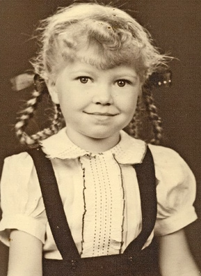 Lucinda Alsobrook Coulter-Burbach in pigtails circa 1942.                                             (Courtesy Lucinda Alsobrook Coulter-Burbach)