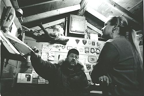 Steve Leighton and his wife Marilyn in the roadside shed that serves as his office and bait shop.                                             (Sarah Breul/Salt Institute for Documentary Studies)