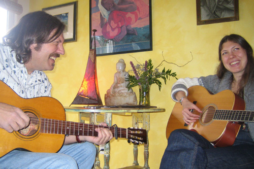 Alela Diane and Tom Menig playing the guitar together.                                             (Suzie Lechtenberg)