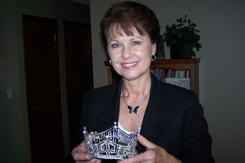 Debra Barnes Snodgrass holds her crown.  She was the reigning Miss America in 1968.  She passed on her crown to Judy Ford at the Miss America pageant.                                             (Missy Belote)